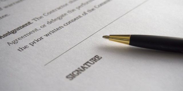 Commercial Contracts - Contract Signing - Nash & Co Solicitors