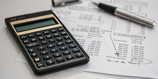 Commercial Debt Recovery - Calculator and Finance Documents - Nash & Co Solicitors