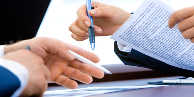 Commercial Dispute Resolution - Signing and Discussing - Nash & Co Solicitors