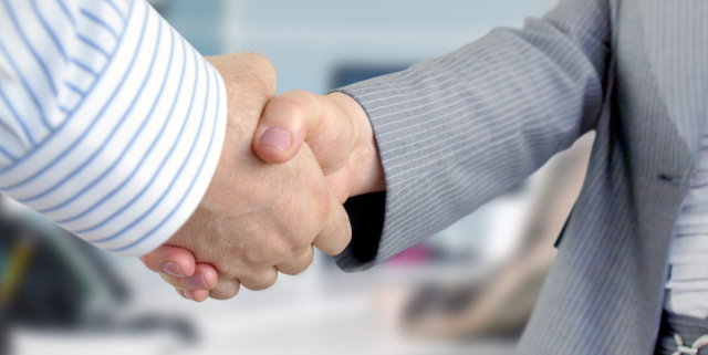 Employment Law - People Shaking Hands - Nash & Co Solicitors